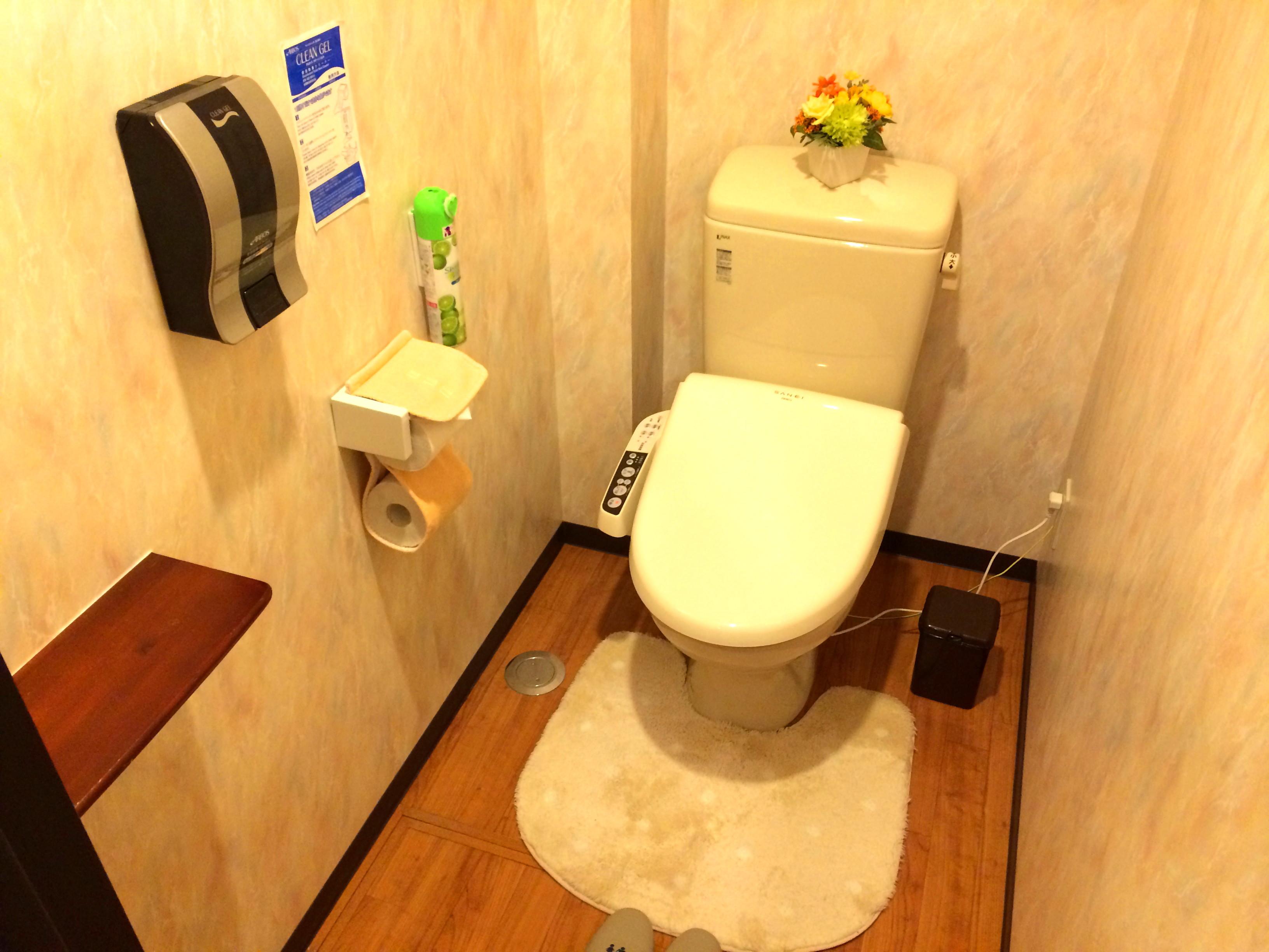 2号館 トイレ2.jpg